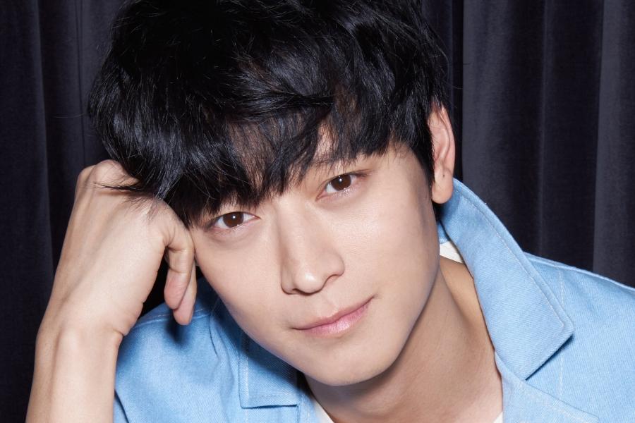 #KangDongWon Renews Contract With #YG Entertainment