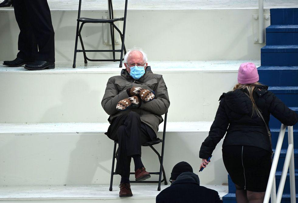Gatta love Bernie Sanders #BernieSandersMittens  #Mitts #winter2021