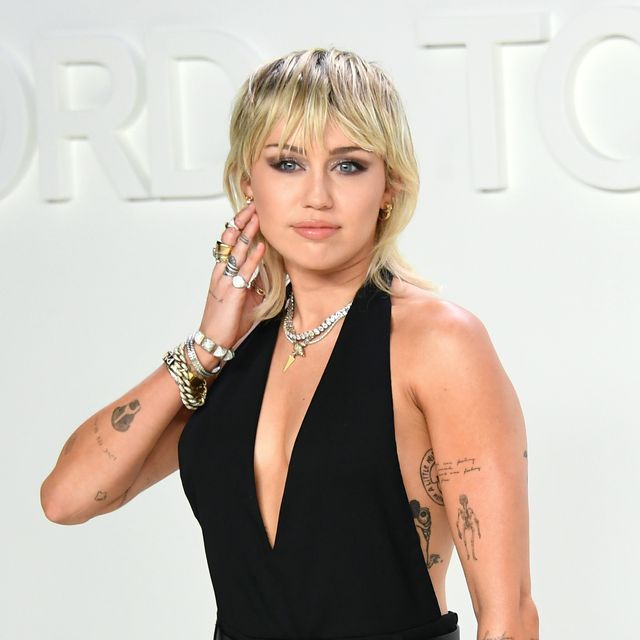 #MileyCyrus admits she likes women more than men