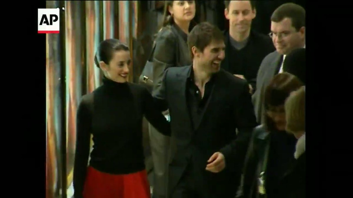 """ON THIS DAY - In 2002, @TomCruise and Penélope Cruz attended the London premiere of """"Vanilla Sky."""" #OnThisDay"""