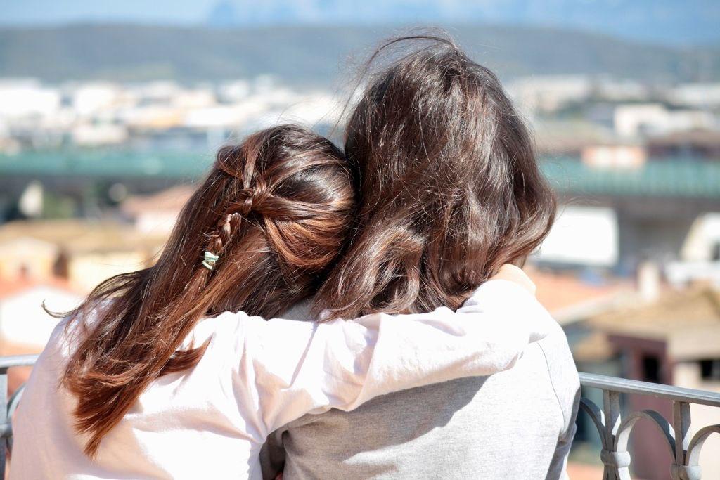Porque tenemos la certeza de saber que cuando todo esto pase, volveremos a abrazarnos y con ello ganaremos muchos días de vida, -como dice Paulo Coelho-, para disfrutarlos junto al mar. ¡Feliz Día Internacional del Abrazo!  #hosteriadelmar #peñiscola #abrazo #paulocoelho #hugday