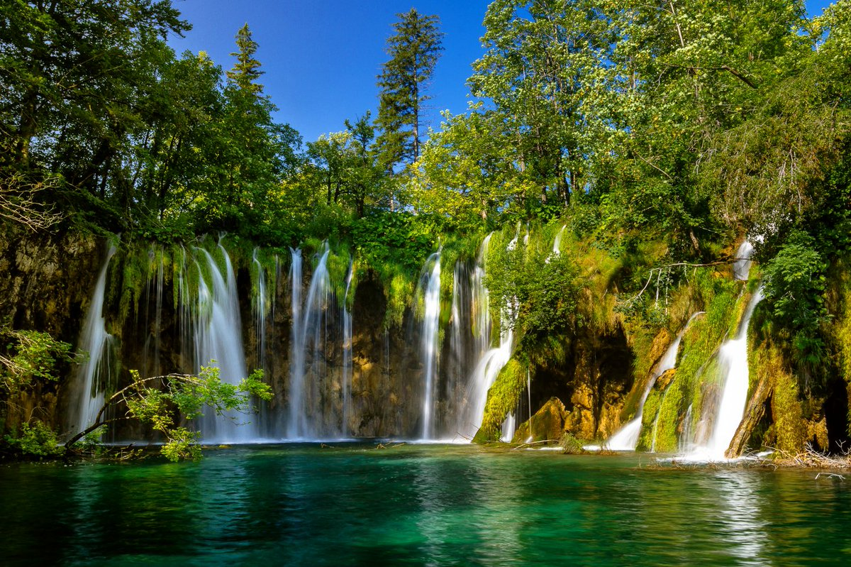 Answering yesterday's #GeographyOnline quiz question, George Washington gave a speech of only 135 words after being sworn into office.   Today's quiz question, which Croatian system of waterfalls and lakes is the result of travertine formations?