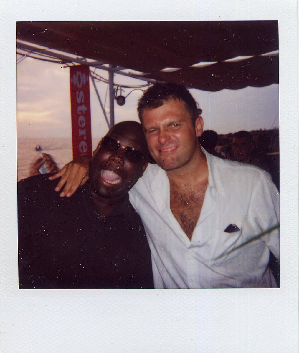 Sometimes all we need is some old memories to bring back a smile😁Here's @Carl_Cox & @darrenemerson clowning around with us back in the day😜😂👌 #TBT #mambomemories https://t.co/70awlS0GV1