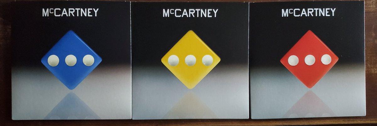 そして他の色のsecret demo editionも一緒に届いた。値段が1枚7.33ドルだったのでデモ1曲に700円は割高だけどジャケットが揃うからまあいいかと思っていたのだがちょっと勘違いしていた。ジャケットこそ簡素だがそれぞれフルに12曲入っていたのでこれは割安だったのかもしれない。 #McCartneyIII