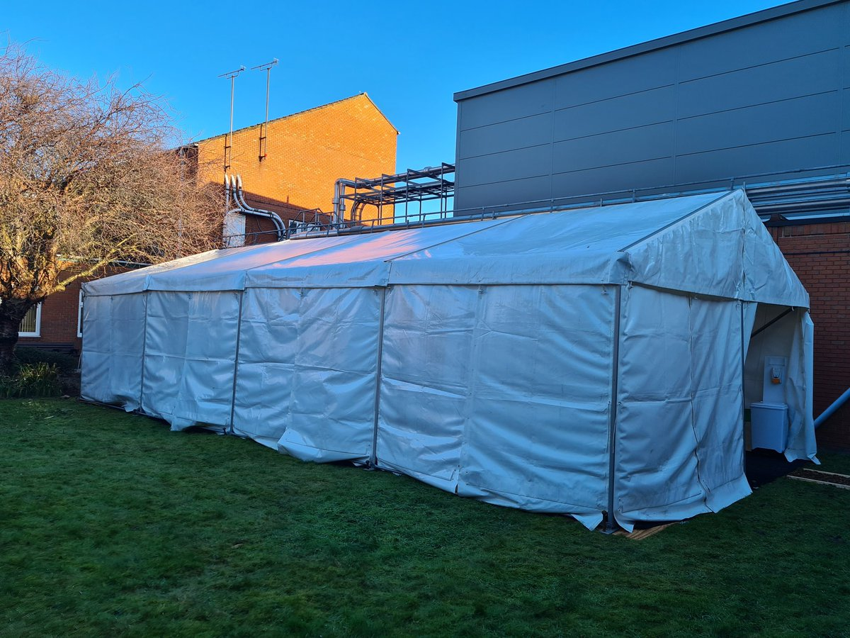 Thanks to @raw_mccormack & @DSFS_Ltd mobilising this marquee at pace to create a dedicated staff Health & wellbeing space to increase service provision & engagement activity #Wellbeing #thursdayvibes #Health - funded by our Hospital Charity- watch this space for planned activity