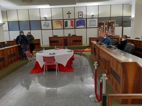 Ristoratori al collasso, occupato il Consiglio comunale di Palazzolo - https://t.co/AnDv6L7WO5 #blogsicilianotizie