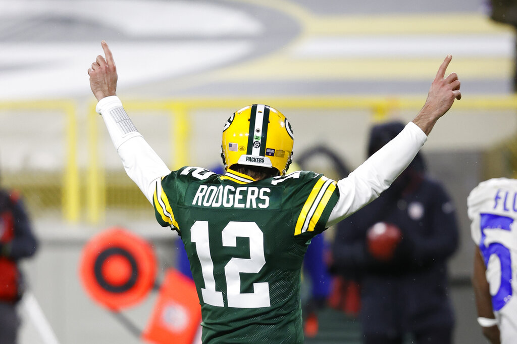 Packers: QB Aaron Rodgers says focus is on the present, his future is a 'beautiful mystery'  #Packers