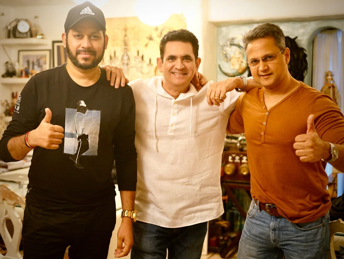 OMUNG KUMAR TO DIRECT BIOPIC #FAUJA... Omung Kumar B - who directed #MaryKom and #Sarbjit - to direct a biopic on #FaujaSingh, a marathon runner, better known as #SikhSuperman... Based on the book #TurbanedTornado... Produced by Omung Kumar B, Raaj Shaandilyaa, Kunal Shivdasani.