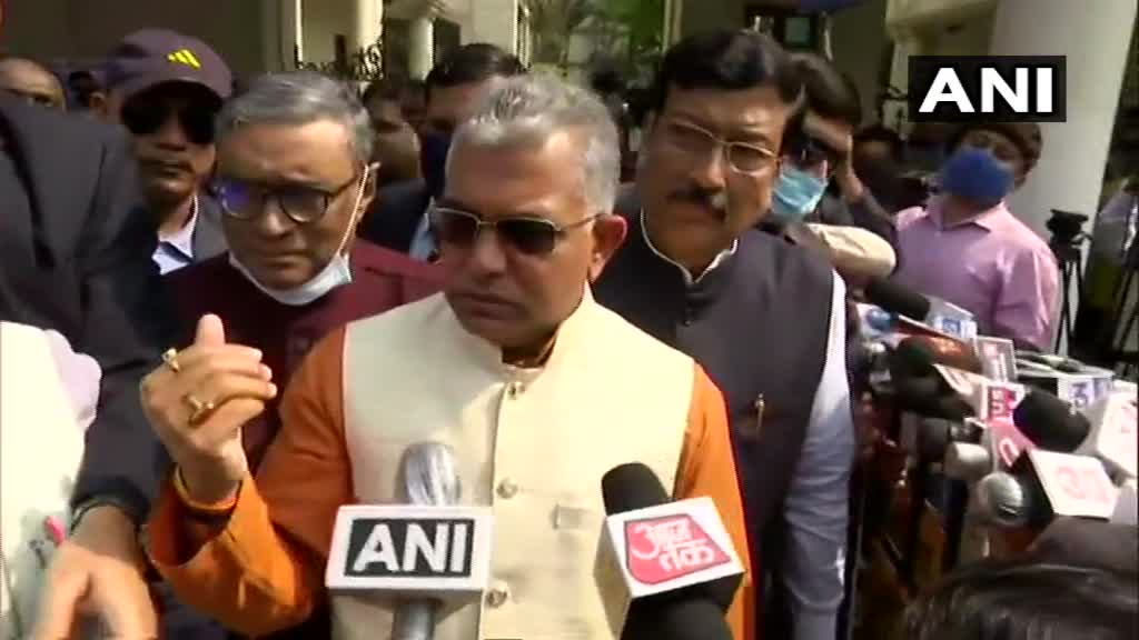 5 lakh or so Rohingyas & outsiders names have are in voter list, EC should take note & weed them out. The balance of voters has been tampered with as a result. TMC should not be under belief that all Muslims will vote for them : Dilip Ghosh, president of West Bengal unit of BJP https://t.co/gbCwXsX0jz