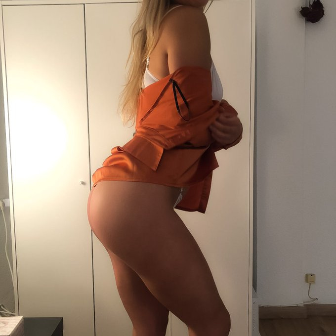 Cum and get to know me better 😘 https://t.co/igXXq6KCua