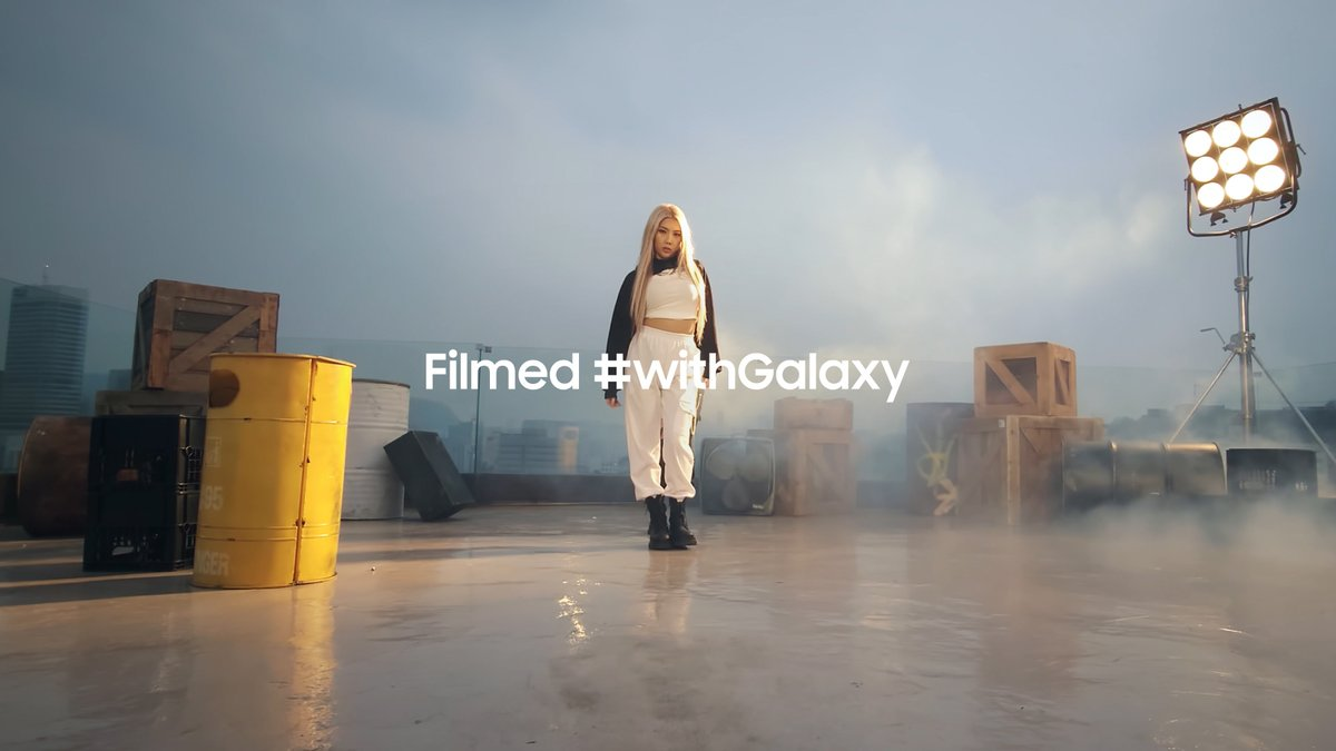 Choreographed by Simeez and Moana Performed by Simeez and Moana  Filmed #withGalaxy S21 Ultra.  Learn more:   #GalaxyS21 Ultra #withGalaxy
