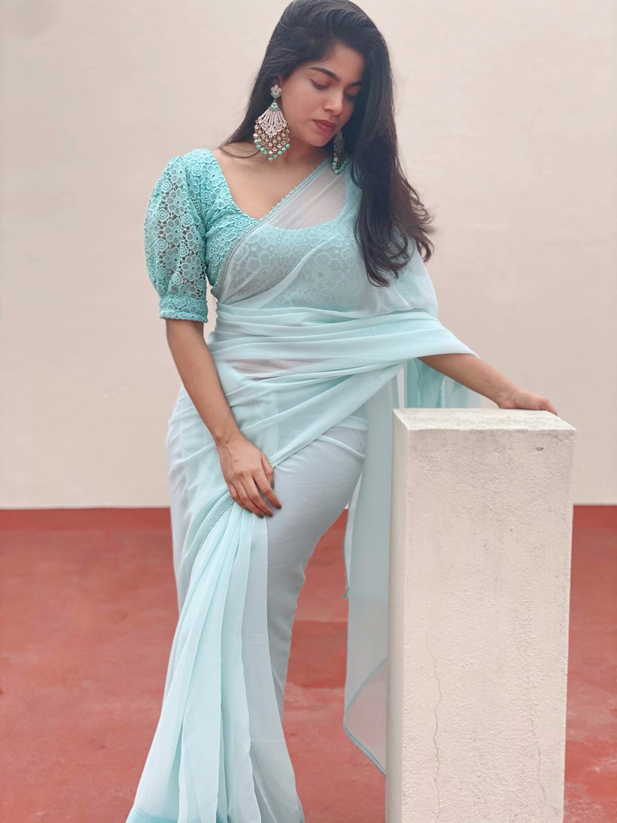 Blue Plain Saree   #fashionista #fashionstyle #fashionable #fashiongram  #follow #comment #pongal  #indain #tamil #divyabharathi #cotton #lace #follow #chetinadcotton #georgettesaree #pongalcollection #followforfollowback #plainsaree #designersaree . Made for @divyabharathiof