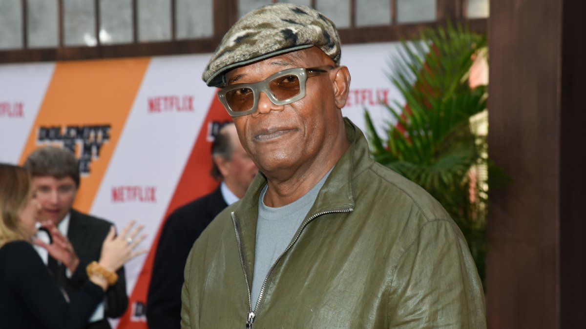 Did you know: Samuel L. Jackson is the highest-grossing actor of all time  Together, all of his films have grossed over $27 BILLION worldwide 💰