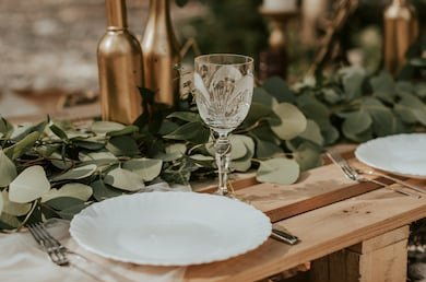 #Sustainable weddings are a thing now, and here are a few helpful tips!   1.Order local floral produce as this will cut down the carbon footprint. Instead of using excessive floral accents, choose statement arrangements that will add that special decor touch too.  Thread 👇