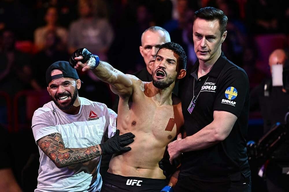 Leonardo Santos vs. Grant Dawson targeted for UFC Fight Night on March 20   #UFCvegas14 #UFC255 #UFCFightnight #MMA #UFC https://t.co/uZDZAeaSN3