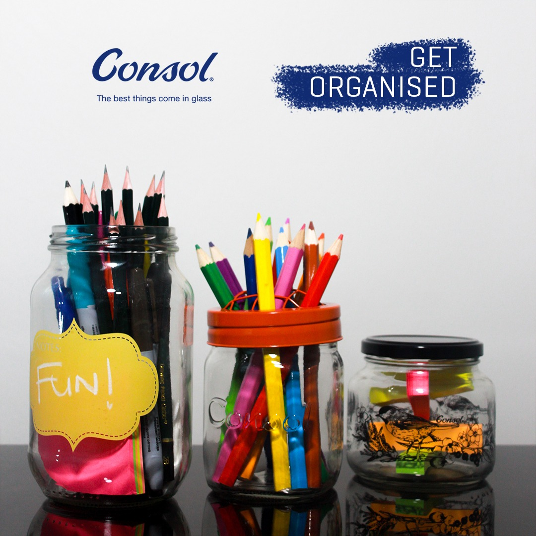 Here's a simple DIY tip to get your house organised. Create your own stationery holder using glass jars, and give yourself more time to do the things you love. #ConsolGlass https://t.co/KHe2S8KPMo