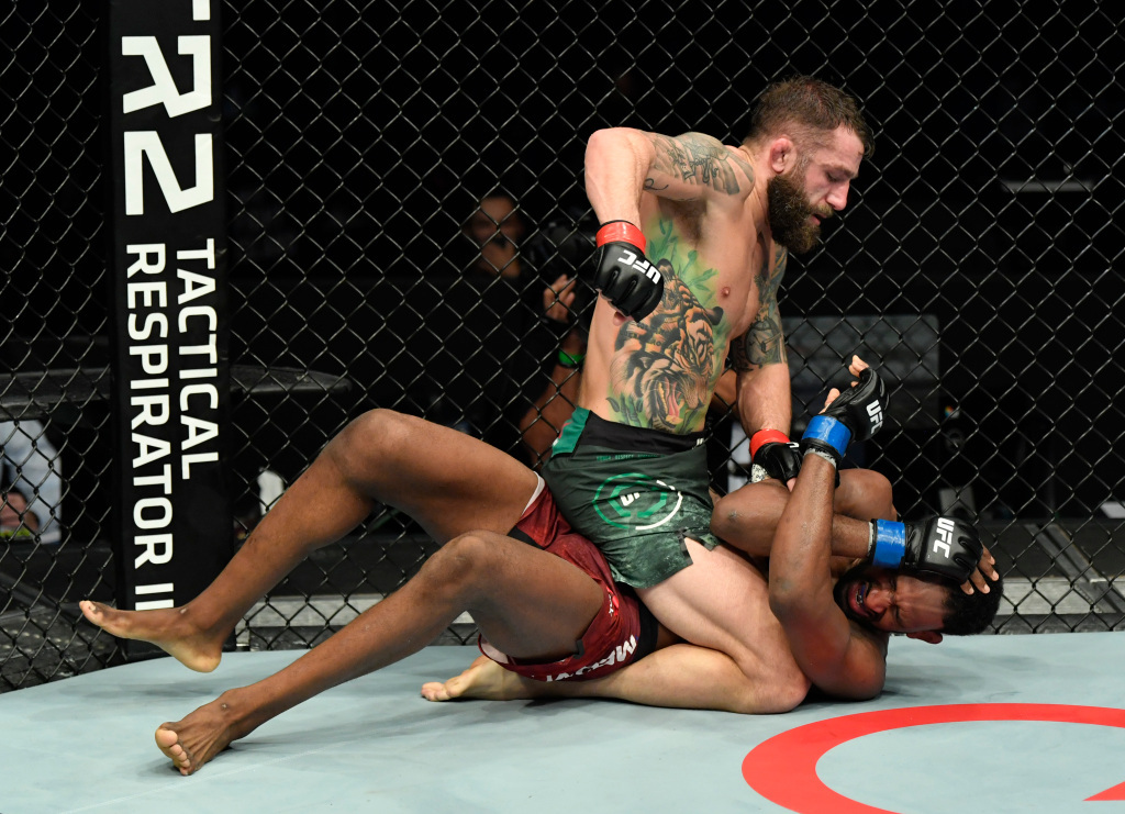 UFC on ESPN 20 results: Michael Chiesa grinds out Neil Magny, calls out Colby Covington   #UFCvegas14 #UFC255 #UFCFightnight #MMA #UFC https://t.co/nHpYg5TimV