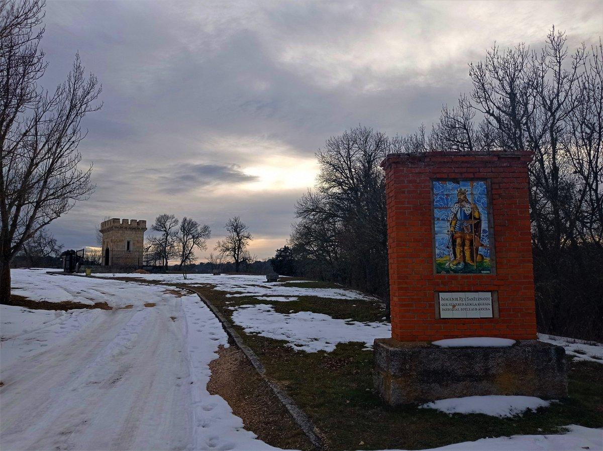 #PeleasdeArriba #tierradelvino #Zamora #RutadelaPlata #Spain #FernandoIII #history #歴史  #travelphotography #FelizJueves #Zamora_Adelante