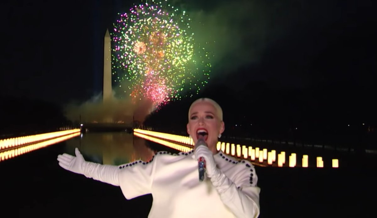 #KatyPerry, spettacolare live di Firework per Joe Biden e Kamala Harris - video    #CelebratingAmerica