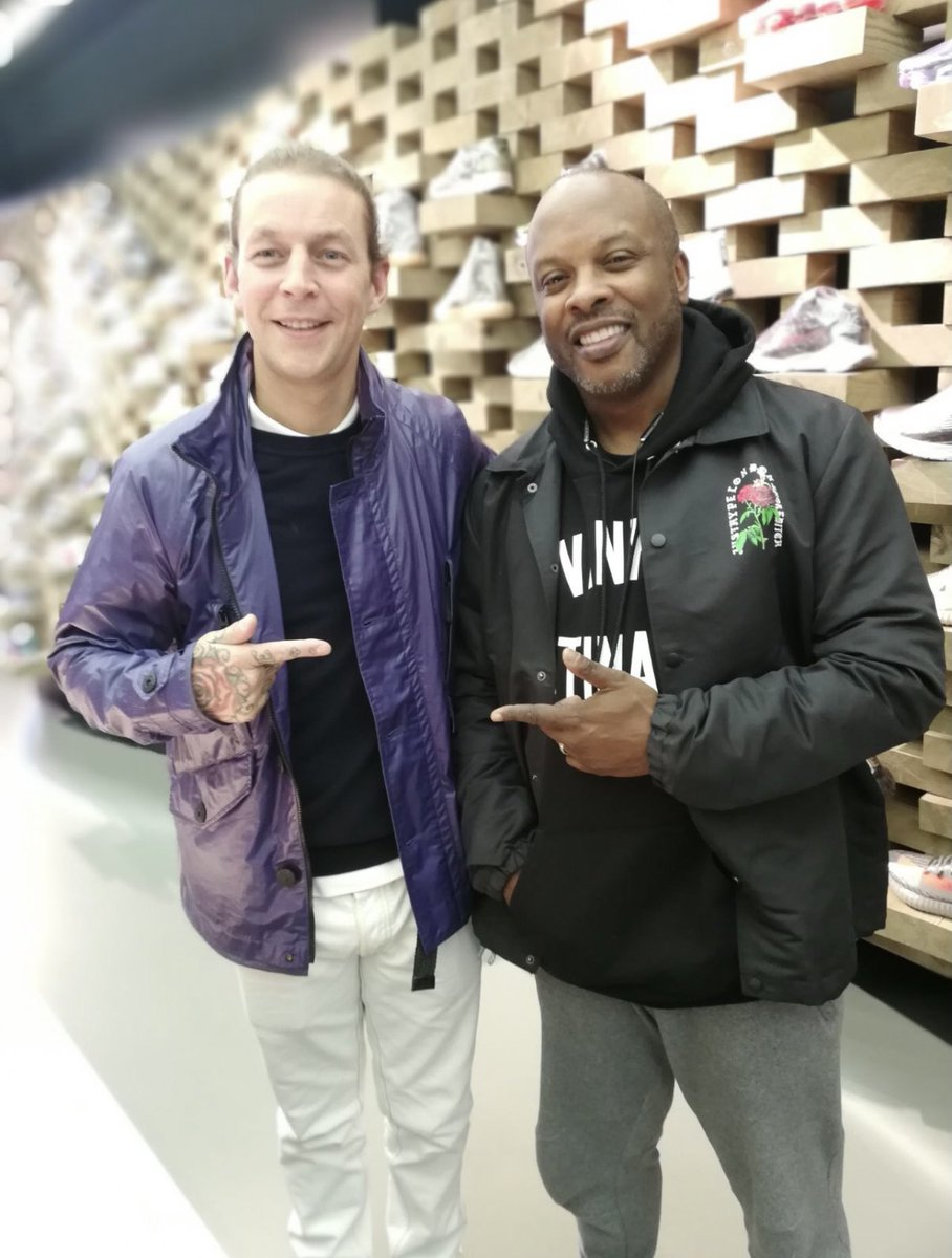Throwing it back to sneaker shopping with #djjazzyjeff down @Presentedbyshop in London. #sneaker #summertime #freshprinceofbelair #tbt