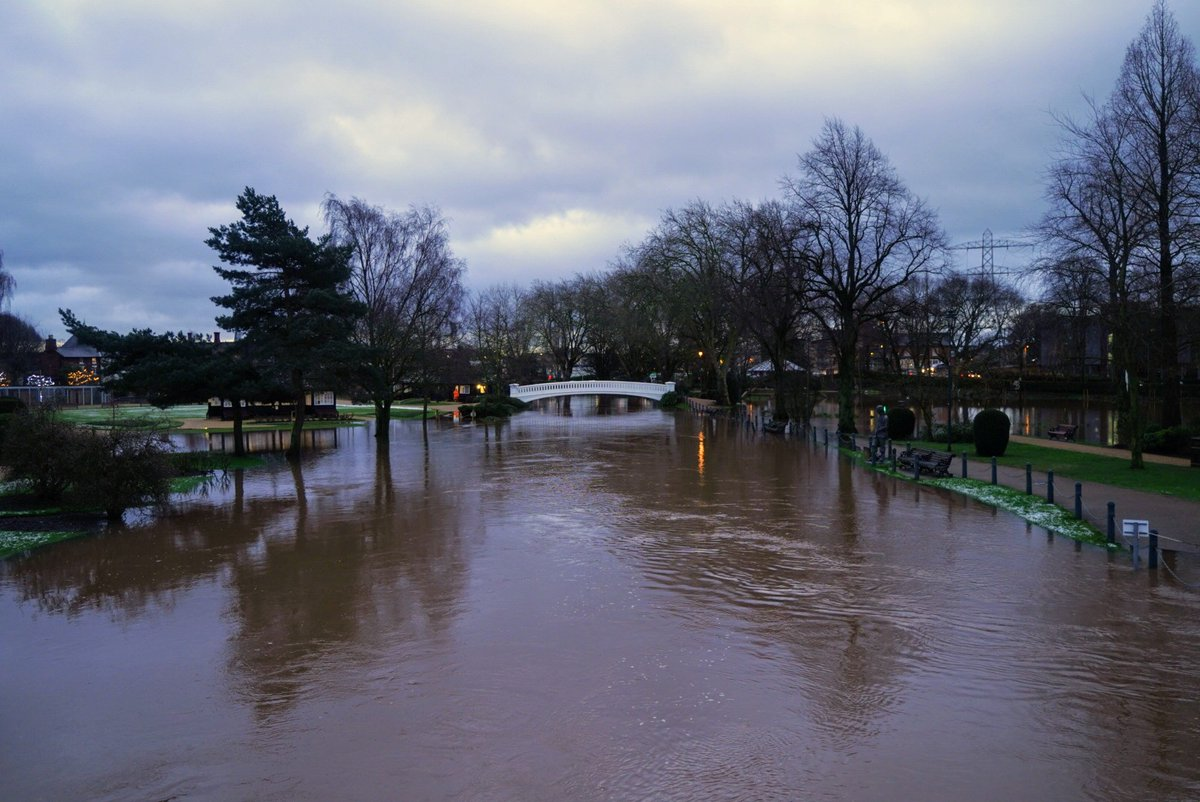 Live: 22 #flood warnings issued across #Staffordshire - take care if you're out and about this morning! This picture of #flooding in Victoria Park, #Stafford was kindly shared by @z70photo https://t.co/xEvUsfgTBo https://t.co/5vdIGoQYZW