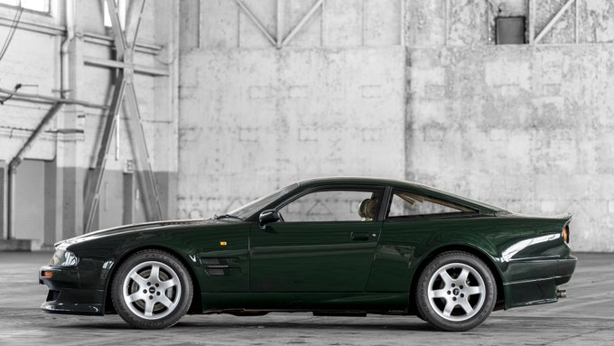 A classic Vantage for #ThrowbackThursday...…