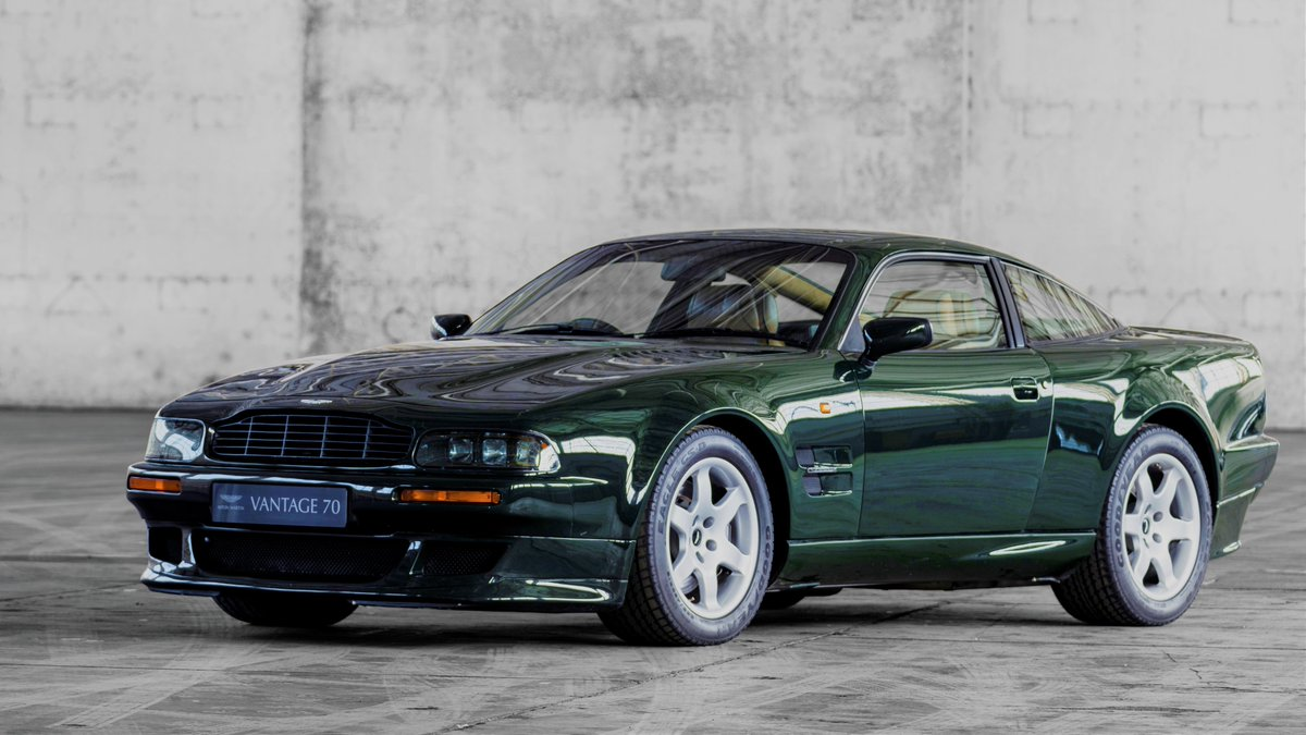 A classic Vantage for #ThrowbackThursday...  #AstonMartin https://t.co/WMDL2gLFNT
