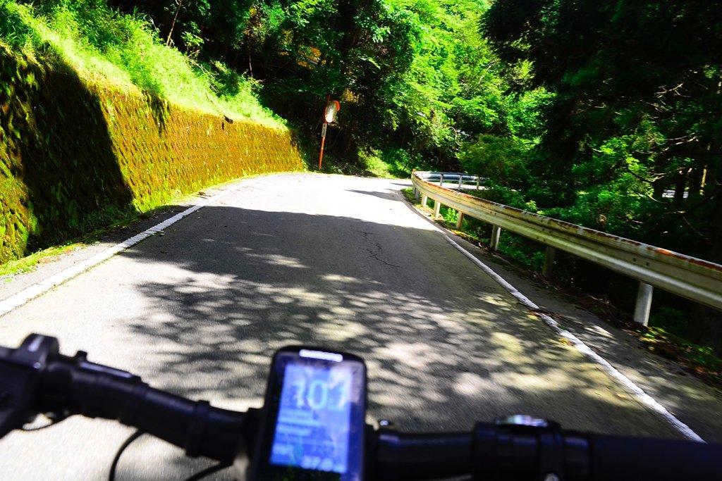 近年ブームになりつつあるe-BIKE(電動アシストスポーツ自転車)は、新たなサイクリング体験を可能にしてくれます。美しい景色と厳しい上りで知られる静岡の西伊豆スカイラインを走るサイクリングを「ENJOY SPORTS BICYCLE」で実走リポート! #PR #sponsored #自転車協会