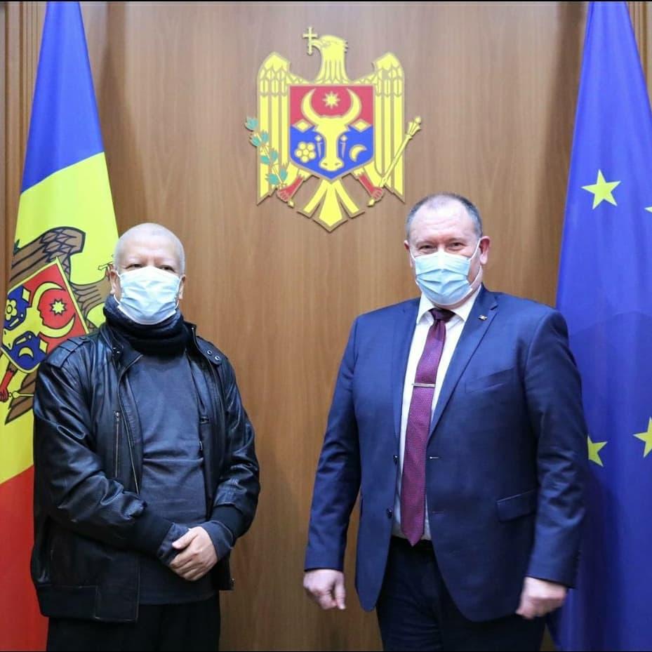 Ambasadorul Republicii Indonezia la București s-a întâlnit la Chișinău, pe 19 ianuarie 2021, cu Ministrul Afacerilor Externe și Integrării Europene și Prim-Ministrul interimar al Republicii Moldova, pentru a reitera sprijinul Indoneziei pentru Moldova.  #IniDiplomasi https://t.co/3jg9H5CBQ1