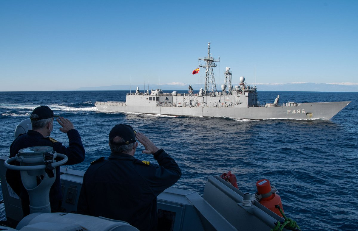Our Standing @NATO Maritime Group 2, led by @Armada_esp 🇪🇸, conducted a passing exercise with the @tcsavunma Turkish navy ship Gokava 🇹🇷 in the #Mediterranean 🌊  #WeAreNATO strong and united 💪