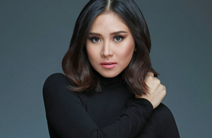 ".@JustSarahG was a top requested artist 12 times and in the race for most requested 3 times on the @MTV #FridayLivestream.   To request Sarah, tweet "" REQUEST @JustSarahG @MTV #FridayLivestream """
