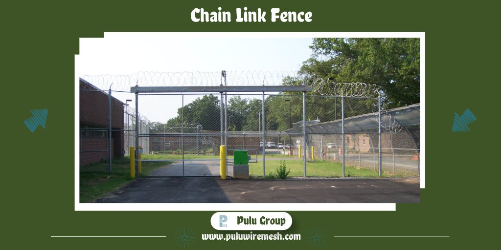 You always need a fence to surround a school and its playground. Not only is a fence for the safety of the children but for the peace of mind of teachers, staff and parents as they allow precious little ones to play outside.  #needafence #fence #fences #thursdaymorning