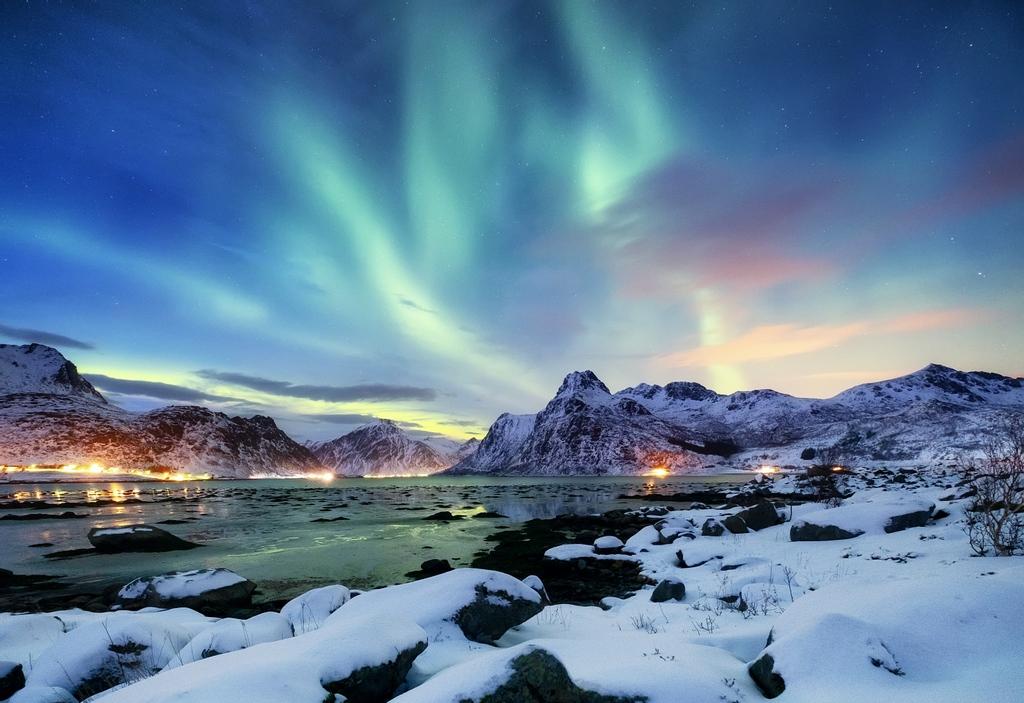 Pt3 . . . . #ig #auroraborealis #nature #travelphotography #landscape #iceland #nightsky #nothernlights #landscapephotography #wanderlust #northernlightsphotos #aurora #norway #northernlights #travelgram #love #northernlight #northenlights #night #art #instatravel #polarlight