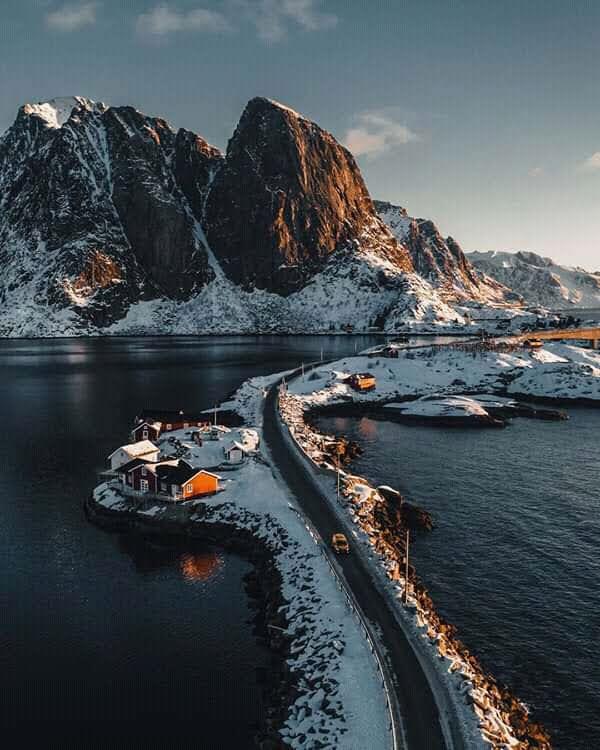 #BuenJueves #BuenDia #GoodMorning #Bomdia #Buongiorno #bonjour #fotografia #photography #viajar #travel #paisaje #landscape #naturaleza #nature  ❄❄❄❄❄ #Noruega