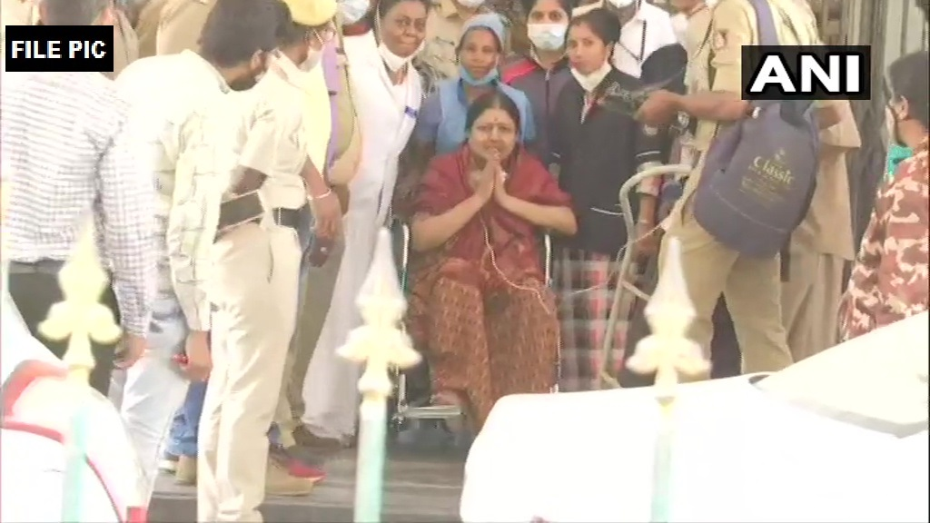 Sasikala was referred from Bowring & Lady Curzon Hospital with diagnosis of type 2 diabetes mellitus, hypertension, hypothyroidism, UTI & suspected SARI & treated with antibiotics, Insulin, Heparin & other supportive measures & was admitted here today: Victoria Hospital Bengaluru