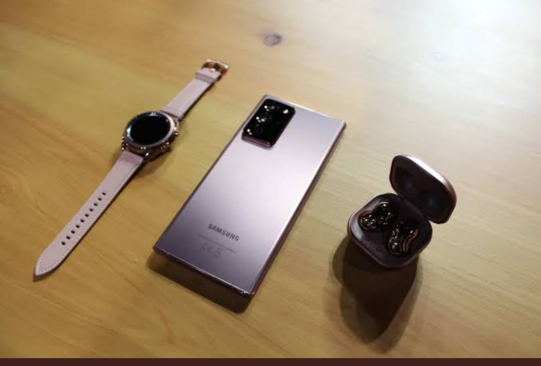 My birthday tomorrow . @samsung can you bless me with #S21  le combo le #SamsungUnpacked  #samsungs21   I have S10 it will be nice upgrade