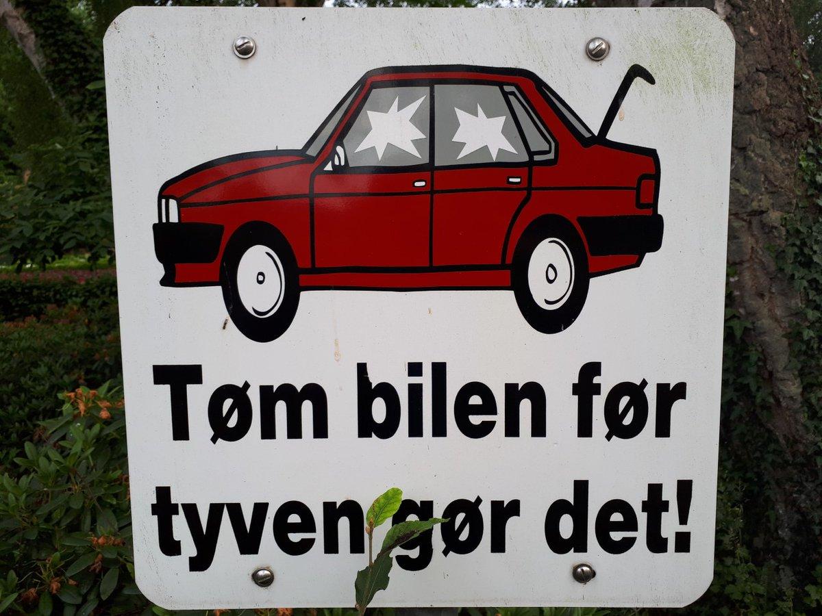 Tøm bilen før tyven gør det! Dette simple budskab vil vi gerne udbrede – specielt i Esbjerg, hvor der er alt for mange ta' selv biler! https://t.co/2Gmm6whIMj #stopehæleri #politidk https://t.co/k3Fgsn7ep5