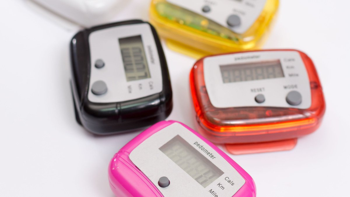 We're throwing it back to the original fitness trackers - pedometers, odometers & early Fitbits - what classic tracking kit do you still have?...🚶♀️🚴♂️🏃♂️  #throwbackthursday #thursdaymorning