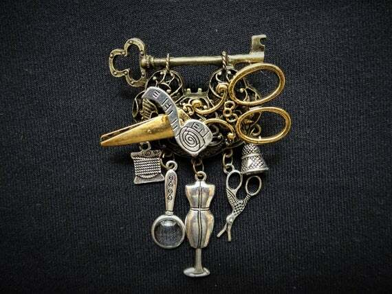 #Fashion Awesome of the Day ⭐ ➡️ #Steampunk ⚙️ #Vintage-Style Seamstress Chatelaine Pin #Brooch ✂️ via @SmokedGlassGogg #SamaFashion 👕 #SamaCuriosities 👀 ➡️ View More #SamaCollection 👉 https://t.co/Kugls3IJqU