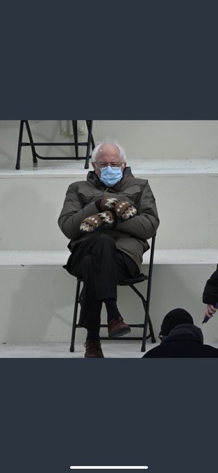 I just love this man @SenSanders He's from the State of Vermont where it's always cold. Those mittens