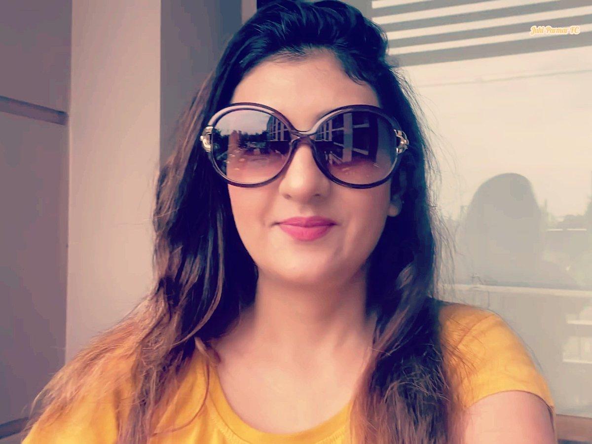 Swagga so bright she don't even need light😉🤗❤️ . . @iamjuhiparmar #JuhiParmar #Beauty #StyleDiva #InstaCool #photooftheday