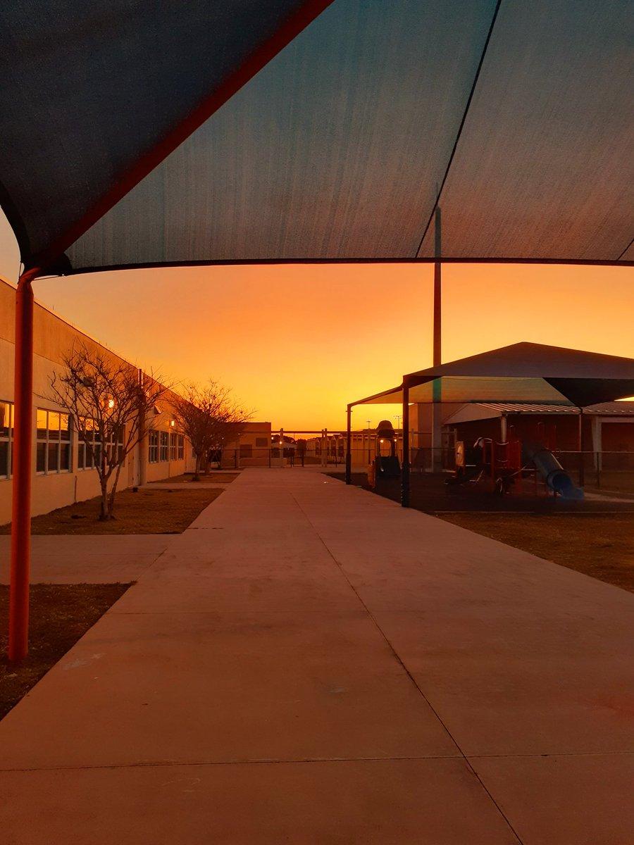"Happy Friday Eve from Sunrise Park Elementary School! ""See the sun rise at Sunrise Park.""  @ShineonSPES  🌅🌞🌟⭐💛❤  #sunrise #ThursdayMorning @pbcgov @pbcsd #BlessedAndGrateful"
