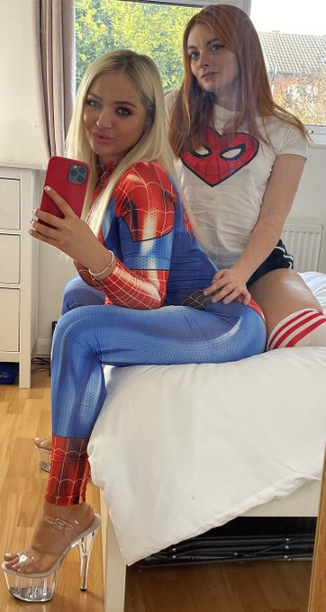 1 pic. oh look it's your friendly neighbourhood Spider-Slut!! ☺️  @LanaWolf1872 / @evil_gf https://t