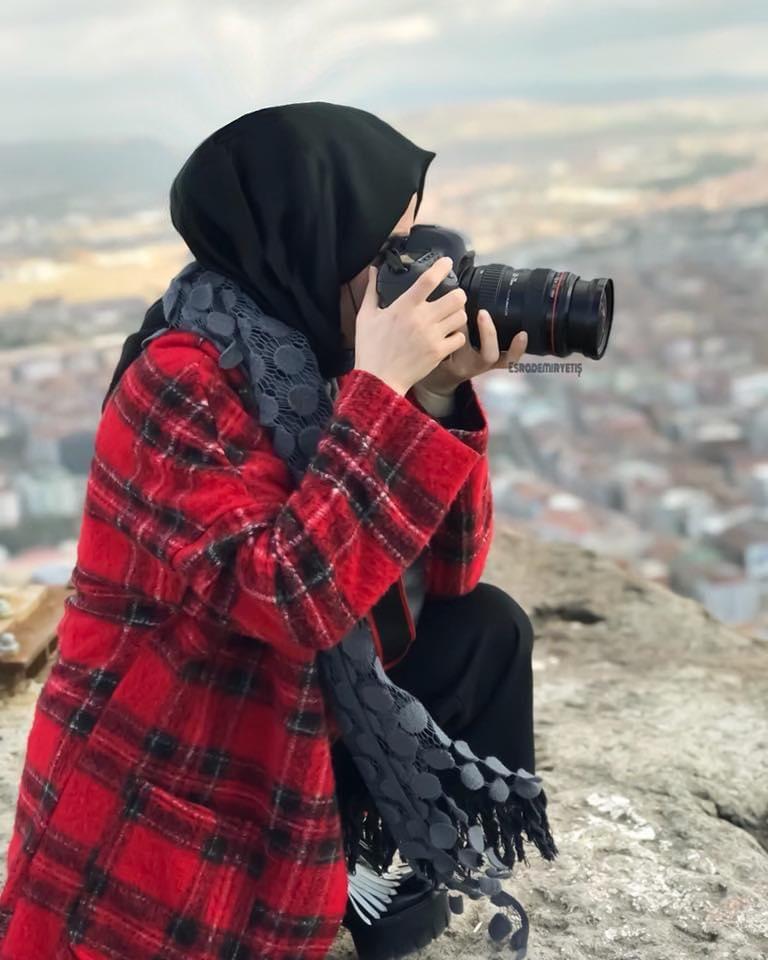 Afyon kalesi 226 metre yükseklikte manzaranın en güzelini yaşarken ben yine makinama sarılarak kendimi kaybettim. 700 basamağı boşuna çıkmış olmamalıydım...😉 #afyon #afyonkarahisar #afyonkalesi #travel #gezgin #afyondagezilecekyerler #vsco #vscocam #photo #photography