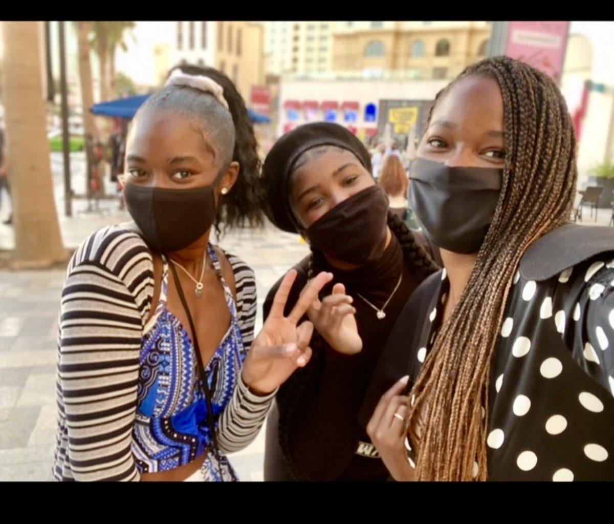 Be sure to stay safe & mask-up like @Jamelia & her two daughters 💯 #maskup #facemask #blackfacemasks #melanin #melanated #brownskin #naturalhair #boxbraids #motherdaughter #motherhood #sisters #sisterhood #brummie #britishgirls