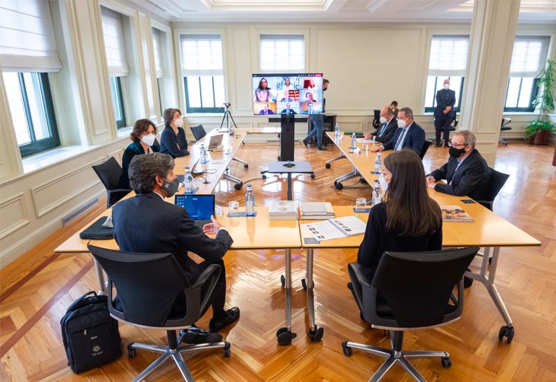 Doña Letizia ha conocido los proyectos claves de Fundación Telefónica, que en 2021 seguirá trabajando para conectar a las personas con las competencias digitales y el acceso al conocimiento para afrontar los retos de la era digital.