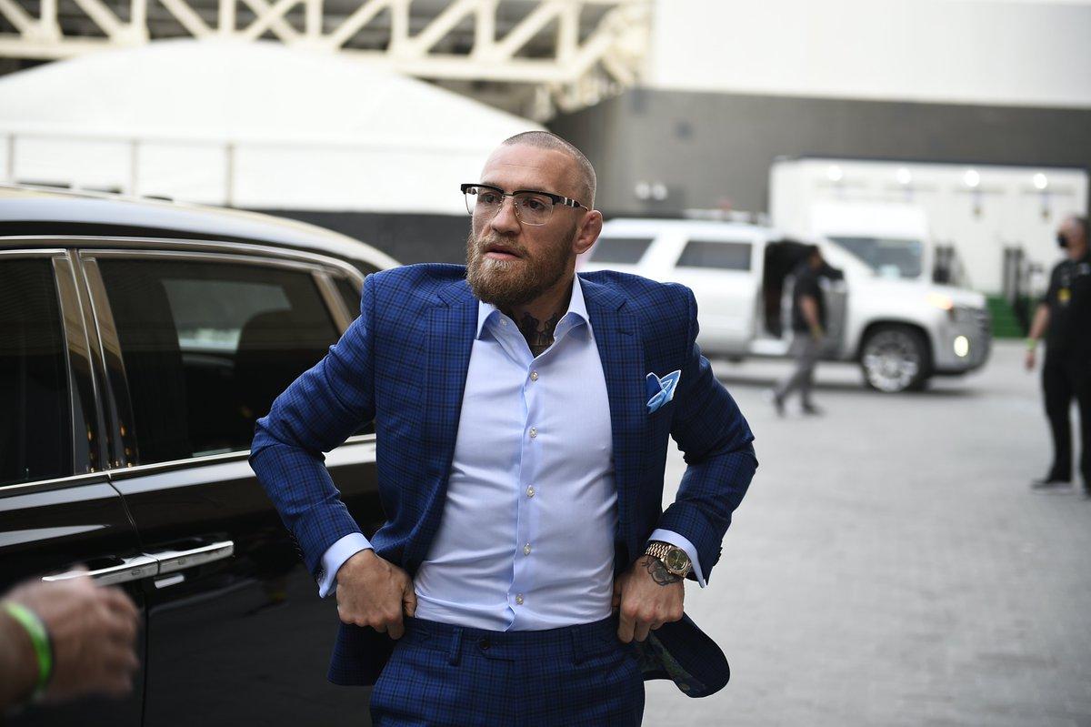 Notorious has arrived 🇮🇪  [ #UFC257 | #InAbuDhabi | @VisitAbuDhabi ] https://t.co/fcTmYDMCMq