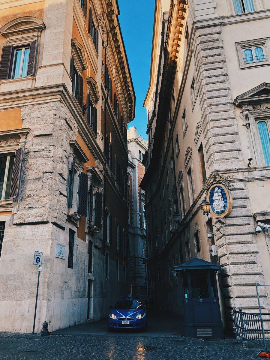 Roma (2018) #streetphotography #shotoniphone #VSCO