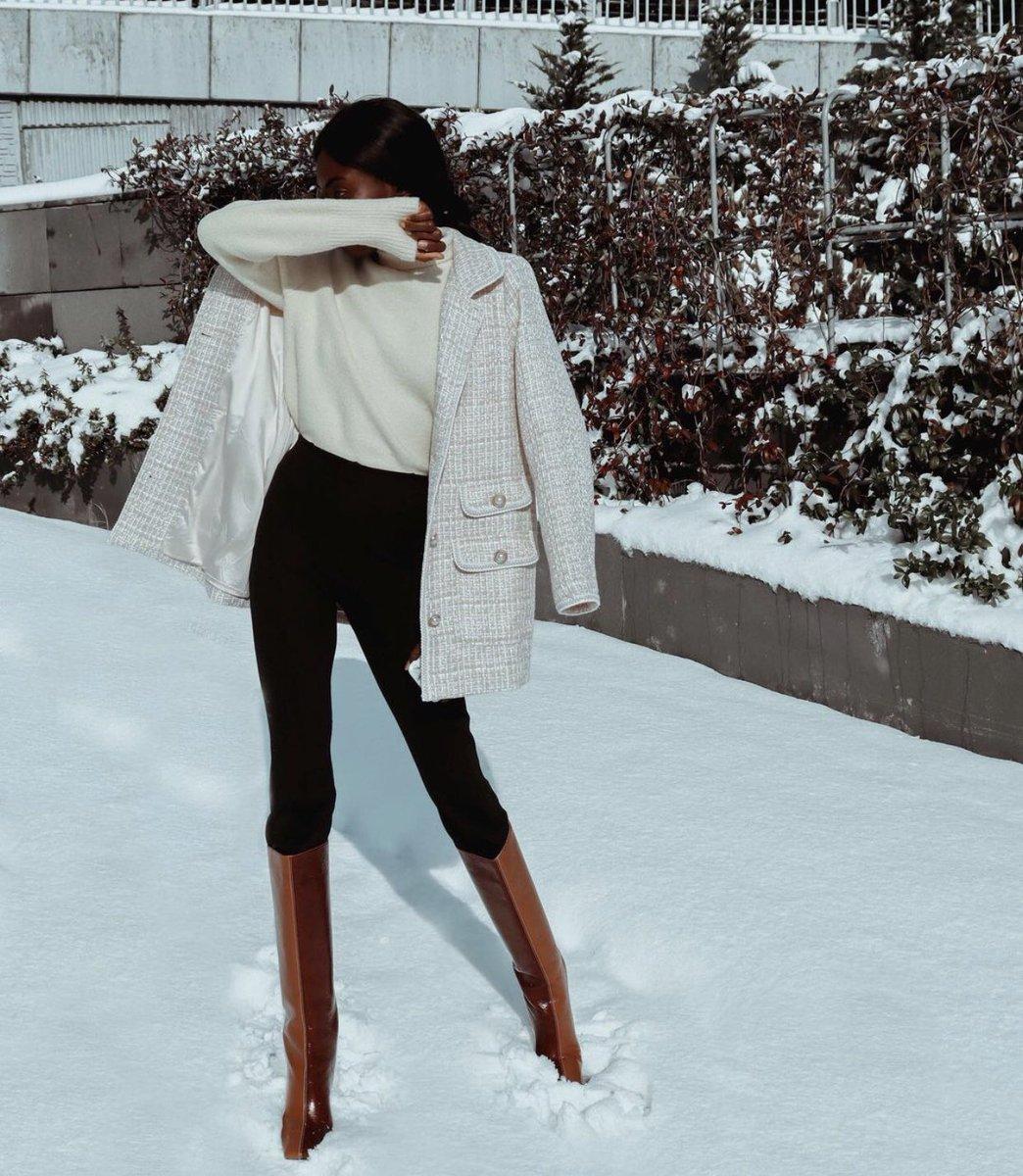 Beautiful!   Photo credit: @life_withisabel  .  #elegantly_a_lady #readytowear #madetomeasure #hautecouture #elegance #classy #fallwinterfashion #Qatar #Tweet  #stylishoutfit #luxuryfashion #fashion #beauty #fashiondesign #style #luxury #workwear #classywomen #Dubai #Turkey