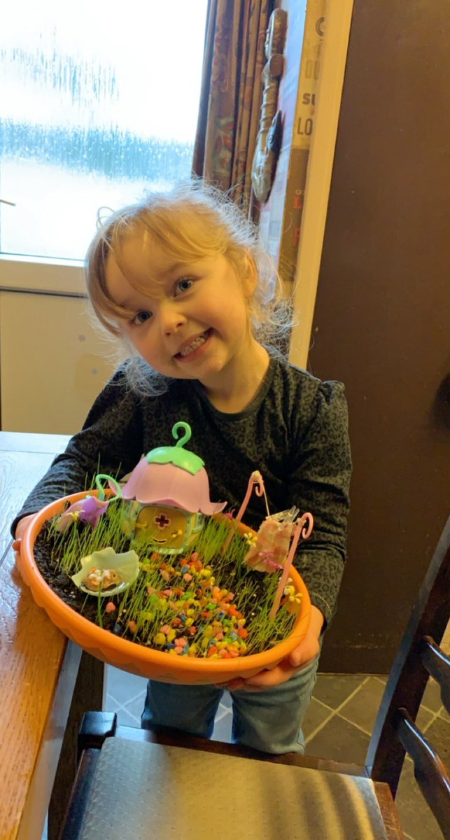 Violet's little fairy garden, has her in amazement every day when the grass grows a bit more 🤣😍❤️ #fairyland #fairygarden #smallthings #precious 🧚🏼♀️ 🧚🏼♀️